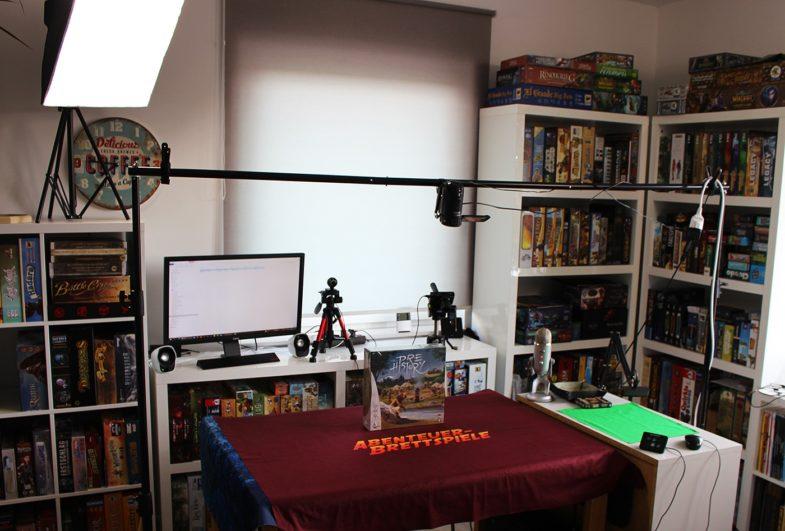 Video Studio mit YouTube Equipment